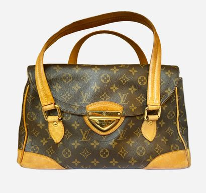 LOUIS VUITTON. Beverly Large Bag in Monogram...