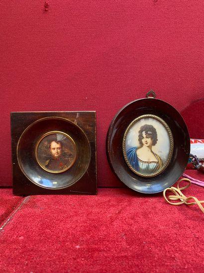Deux portrait encadrés représentant Napoléon...