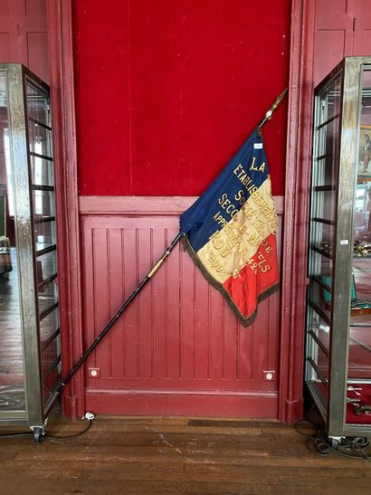Grand drapeau du secours mutuel de Rouen...