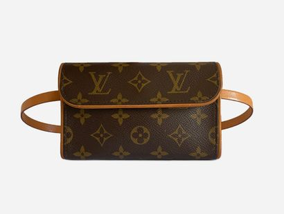 LOUIS VUITTON. Sac / Pochette ceinture Florentine...
