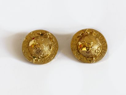 AGATHA. Clips d'oreilles en métal doré figurant...