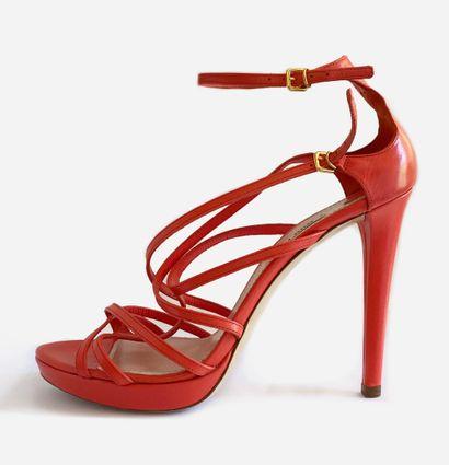 MIU MIU. Sandales Capretto 3, en cuir couleur...