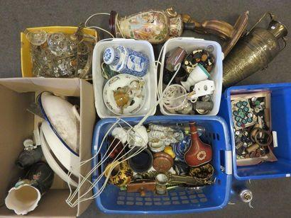 Six earthenware handles, vases, Chinese ceramics,...