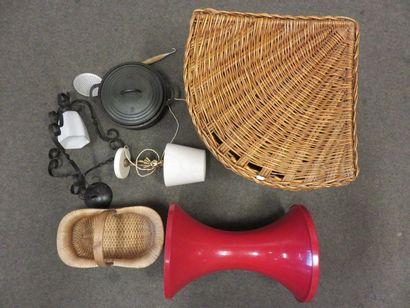Bronze and alabaster lamp handle, metal suspension,...