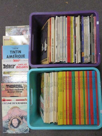 Deux manettes de BD : Tintin, Astérix, Lefranc,...