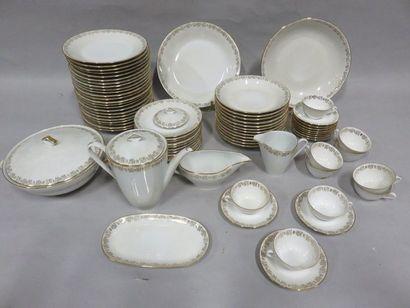 Service de table et service à thé en porcelaine...