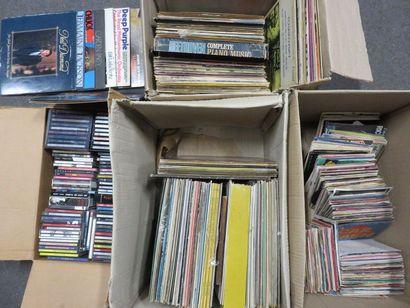 Quatre manettes de disques 33 tours, 45 tours...