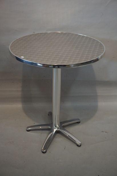 Table de bistrot en métal chromé; 73x60 ...