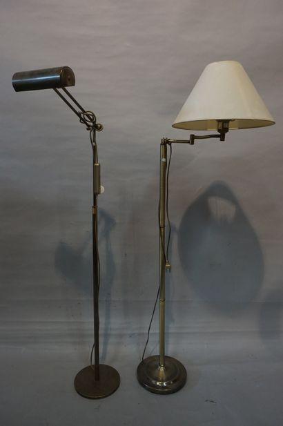 Deux lampadaires liseuse (accidents).