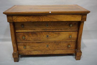 Commode début XIXe en bois de placage à quatre...