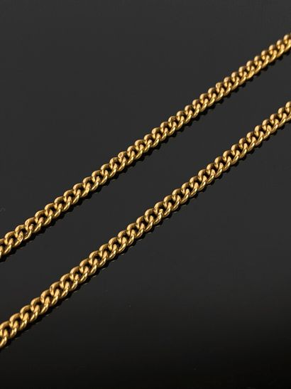 Chaine en or jaune.  L_69 cm.  7,80 grammes,...