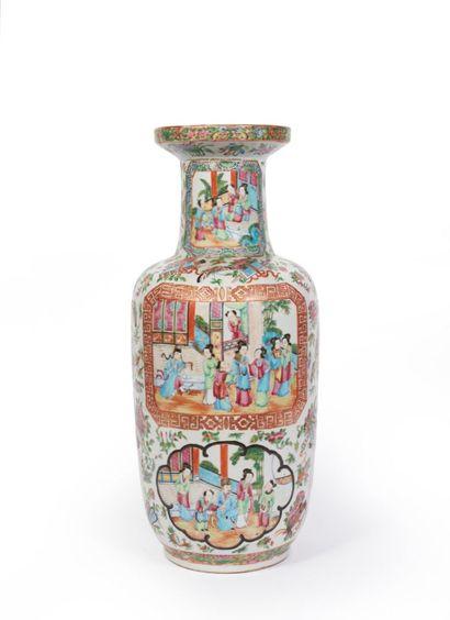 CHINE, Canton, fin du XIXème siècle.  Vase...