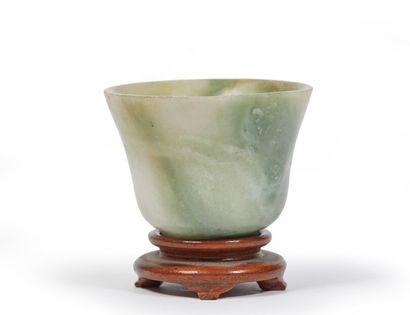 CHINE.  Sorbet en pierre dure verte.  H_3,4...