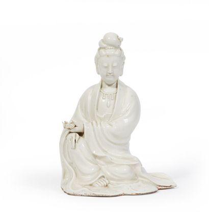CHINE, XIXème siècle.  Statuette de Guanyin...