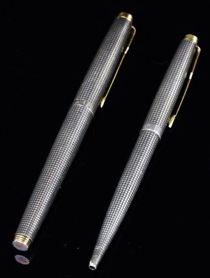 PARKER.  Stylo plume et stylo à bille en...