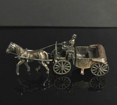 Calèche miniature en argent, tirée par un...