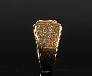 Chevalière en or jaune chiffré RD.  Tour de doigt : 52,5.  13,35 grammes, 18K, ...