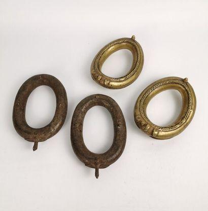 Deux paires de bracelets de cheville de rituels...