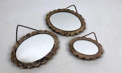 Suite de trois miroirs ottomans en argent...