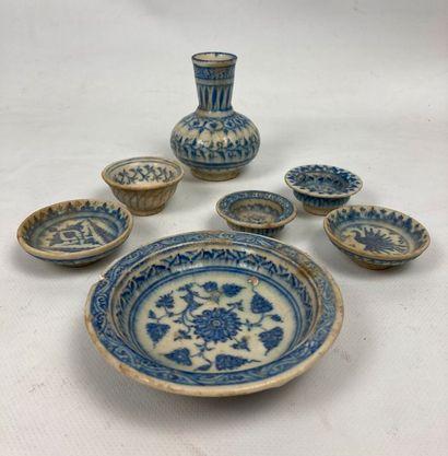 Ensemble de céramiques miniatures bleu-blanc...