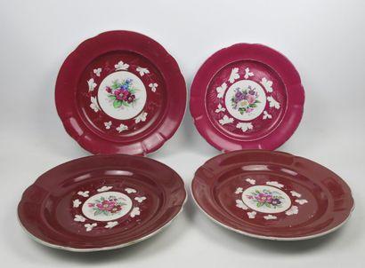 Lot de quatre grands plats Gardner  Porcelaine...