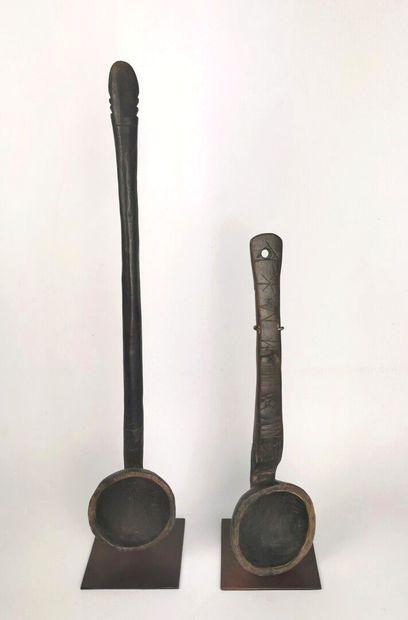 CONGO.  Deux cuillères à longs manches,,...