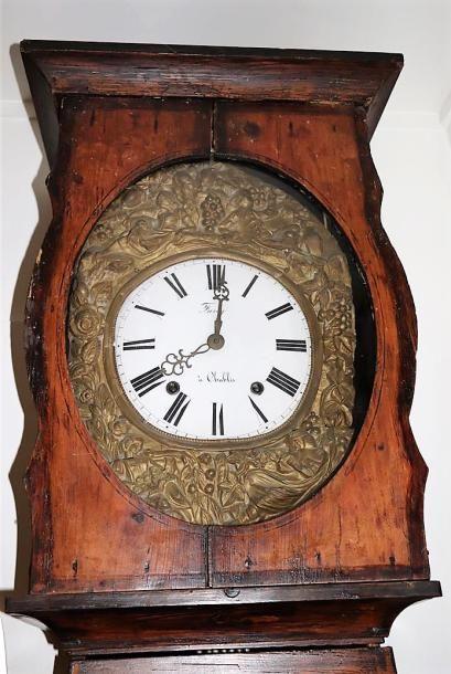 Horloge comtoise, la caisse en sapin ornée...