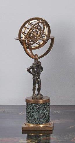 Statuette en bronze patiné représentant un...