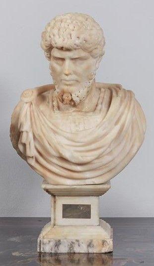 Buste en albâtre sculpté de l'Empereur Marc-Aurèle...