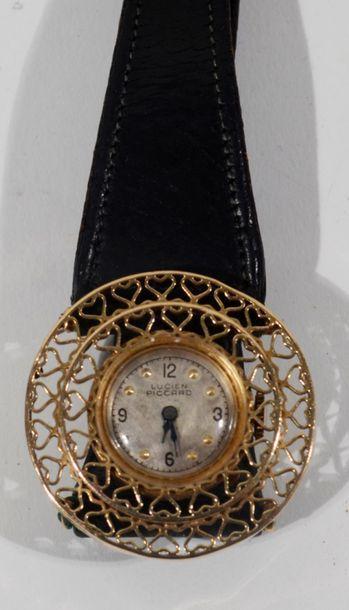 Lucien PICCARD - Montre bracelet de femme en or jaune 14 K, la lunette ronde ornée...