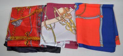 Lot de foulards dont certains à décor à mors...