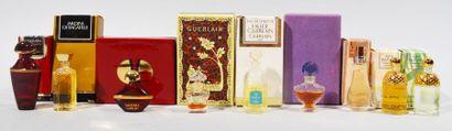 GUERLAIN Lot de 9 miniatures de parfums avec...