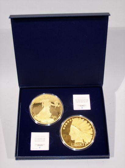 COFFRET comprenant deux médailles en cuivre...