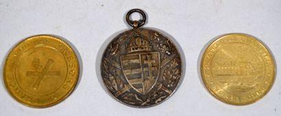 """Lot de médaille comprenant """"Pro deo et patria 1914-1918"""", médaille de la monnaie..."""