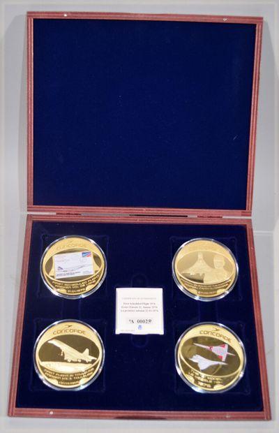 [CONCORDE]  COFFRET de 4 médailles représentant...