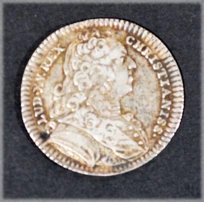 JETON en argent gravé représentant les armses de la bretagne et le buste de Louis...