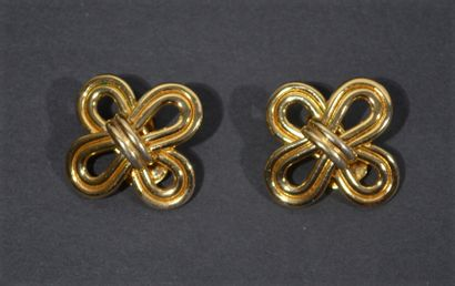 BALMAIN - Pair of gold metal ear clips with interlaced trimmings decoration