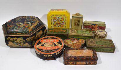 Lot de boites en toles peintes comprenant Pierrot Gourmant, Savon à l'hermophenyl,...