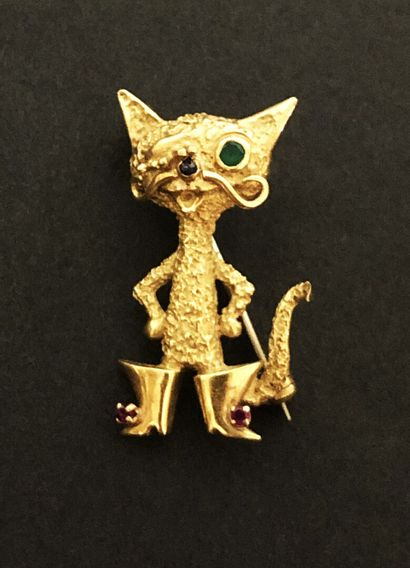 18 K (750/oo) yellow gold booted cat set...