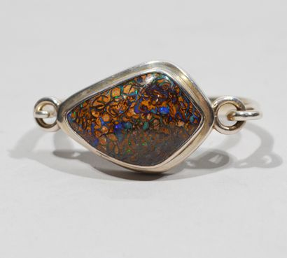BRACELET in silver 925/1000e decorated with an important boulder opal in cabochon....