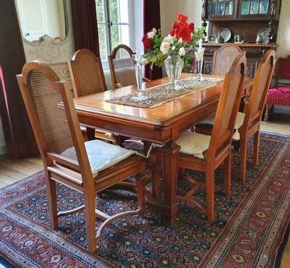 TABLE à l'ITALIENNE en merisier à deux allonges...