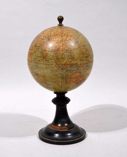 Globe terrestre dressé par Ch. Périgot ,...