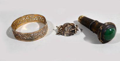 Réunion de bijoux en argent comprenant un...