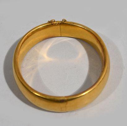 BRACELET RIGIDE en or jaune 18 K (750/oo),...