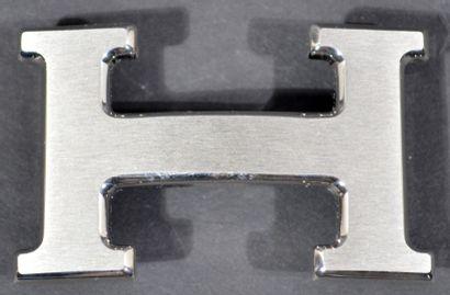 HERMES, boucle de ceinture en métal argenté...