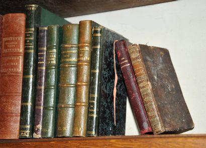 Important ensemble de volumes brochés et...