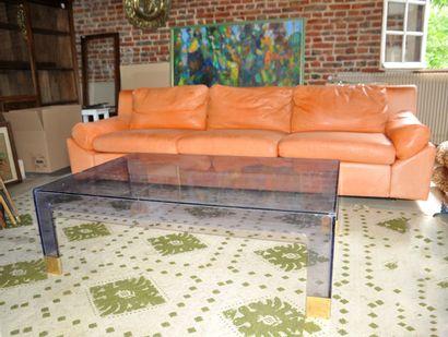 Important canapé avec garniture en cuir couleur...