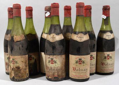 9 bouteilles de VOLNAY Desvignes Ainé et...