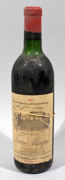 Une bouteille de CHATEAU FRANC-MAYNE Saint...