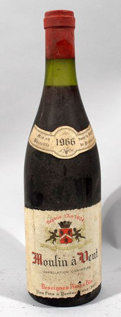 1 bouteille de MOULIN A VENT Beaujolais Desvignes...